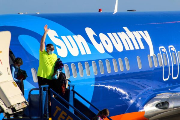 Sun Country Air Flies to Roatan!